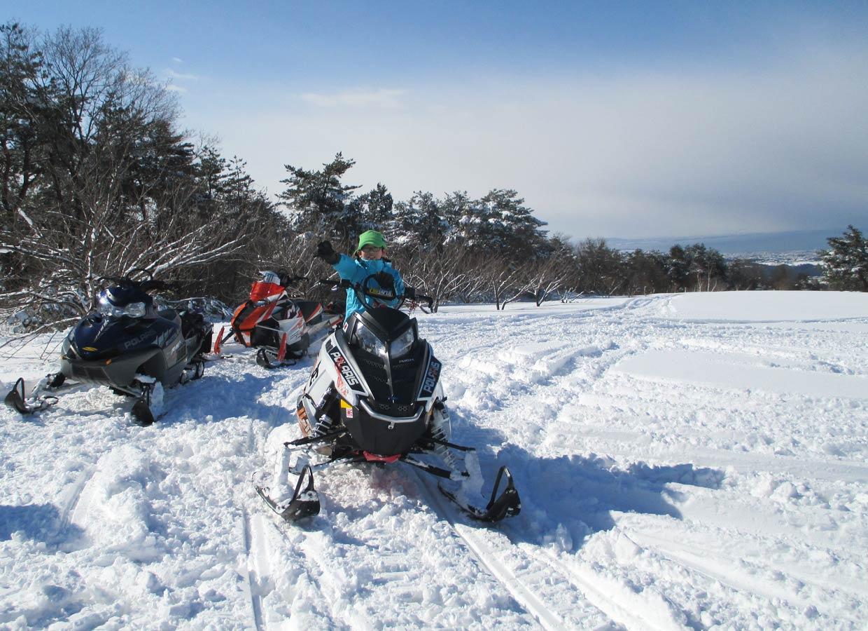 冬フェス スノーモービル体験